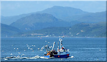 NS2076 : Fishing boat off Gourock by Thomas Nugent