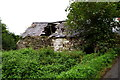 H5458 : Ruined dwelling, Beltany by Kenneth  Allen