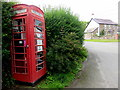 SN1035 : Adopted phone box by ceridwen