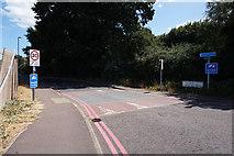 TM2431 : Williamsburg Avenue, Harwich by Ian S