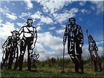 SO8453 : Cutout historical Worcester figures by Philip Halling