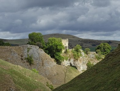 SK1482 : In Cave Dale - looking to Peveril Castle by Neil Theasby