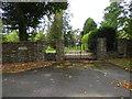 SU8339 : Wishanger Manor Gates, Frensham Lane, Hampshire - 180918 by John P Reeves