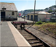 SX2553 : End of the line at Looe station by Jaggery