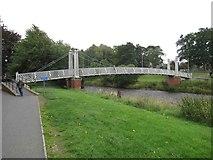 NT2540 : Footbridge over the River Tweed by Les Hull