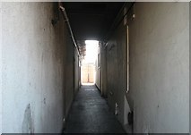 TG5207 : Great Yarmouth's Rows - Row 32 (Kings Head South Row) by Evelyn Simak