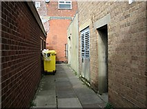 TG5207 : Great Yarmouth's Rows - Row 73 (Fassett's Row) by Evelyn Simak