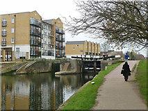 TQ3681 : Johnson's Lock, Regent's Canal by Robin Webster