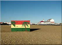 TG5307 : The beach at Great Yarmouth by Evelyn Simak