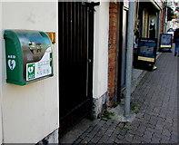 SO3014 : Defibrillator box on a Cross Street wall, Abergavenny by Jaggery