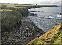 ND3074 : North Caithness coast by Alan Reid