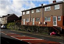 SS6696 : Row of three houses, Neath Road, Swansea by Jaggery