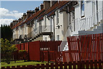 NT3699 : Terraced houses, Denbeath by Jerzy Morkis