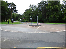 NS3421 : UWS roundabout by Thomas Nugent