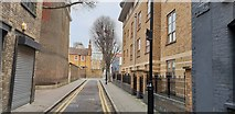 TQ3182 : Sans Walk, Clerkenwell, London by Chris Wood