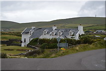 V3968 : Whitewashed houses, St Finan's Bay by N Chadwick