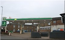 TL3985 : BP garage on Huntingdon Road, Chatteris by David Howard