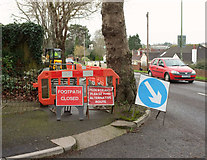 SX9065 : Closed path, Barton Road, Torquay by Derek Harper
