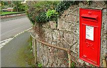 SX8962 : Postbox, Livermead by Derek Harper