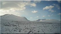NH0851 : Winter snow in Glen Carron by Julian Paren
