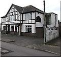 ST1396 : Fox & Hounds pub in Penybryn by Jaggery
