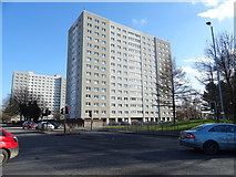 TA0828 : Block of flats off Anlaby Road, Hull by JThomas