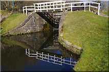SD8639 : Lock 51, Leeds & Liverpool Canal by Ian Taylor
