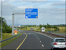 S7068 : Overhead Sign at Junction 6, Northbound M9 by David Dixon