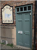 SO8218 : The Black Cat Bar, Gloucester by Rudi Winter