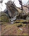 NH6629 : Boulders on Brin rock by valenta
