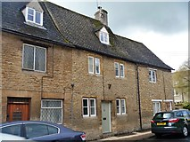 SU2199 : Lechlade houses [30] by Michael Dibb