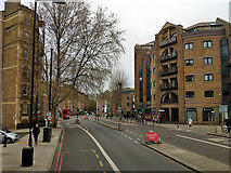TQ3379 : A200, Jamaica Road, SE1 by Robin Webster