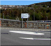 ST1599 : Mini-roundabout in Bargoed by Jaggery