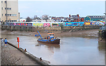 TA1028 : Boat on the River Hull by Des Blenkinsopp