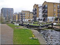 TQ3681 : Johnson's Lock, Regents Canal by Robin Webster