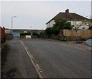 ST3090 : Blocked-off end of Graig Park Avenue, Malpas, Newport by Jaggery