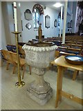 TQ1068 : St Mary, Sunbury-on-Thames: font by Basher Eyre