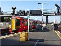 TQ3266 : Train arriving at platform 3, East Croydon by Robin Webster