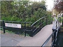 TQ3296 : Jephcott Bridge, New River Loop, Enfield by Christine Matthews