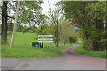 NS7887 : Access to Sauchie and Barns Knowe by Alan Reid
