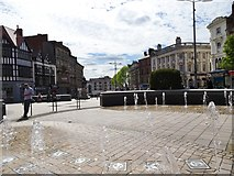 SO9198 : Queen Square Fountains by Gordon Griffiths