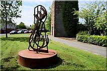 C4316 : Metal sculpture, Derry / Londonderry by Kenneth  Allen