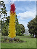 TQ1876 : 'Scarlet and Yellow Icicle Tower' blown glass sculpture by Dale Chihuly at Kew Gardens by Rod Allday