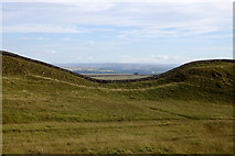 NY7969 : Gap between King's Hill and Clew Hill, Whin Sill by Rudi Winter