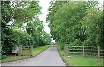 SP6229 : Private track to houses in Newton Morrell by David Howard