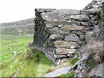 SH5745 : Overhanging wall at Gorseddau quarry by Gareth James