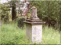 TG2408 : The Tadman Family monument by Evelyn Simak