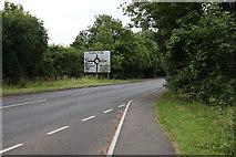 SU7877 : New Bath Road, Twyford by David Howard