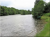 NH5043 : River Beauly by Gordon Hatton