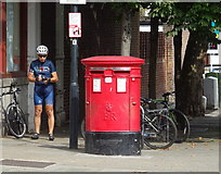 TQ2284 : Double aperture Elizabeth II postbox on High Road, Willesden by JThomas